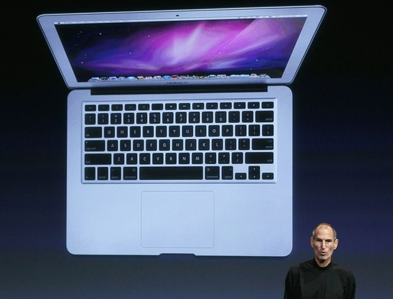 ''� incrivelmente fino'', disse Steve Jobs, CEO da Apple, sobre o novo MacBook Air