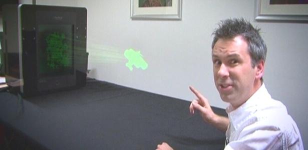 Ainda protótipo, televisor portátil consegue gerar hologramas monocromáticos ou coloridos