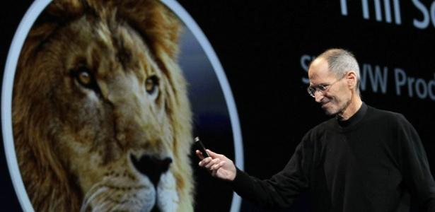 Steve Jobs, diretor-executivo da Apple, durante evento da empresa em junho