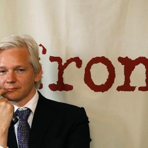 Assange é australiano, mas está em prisão domiciliar no Reino Unido