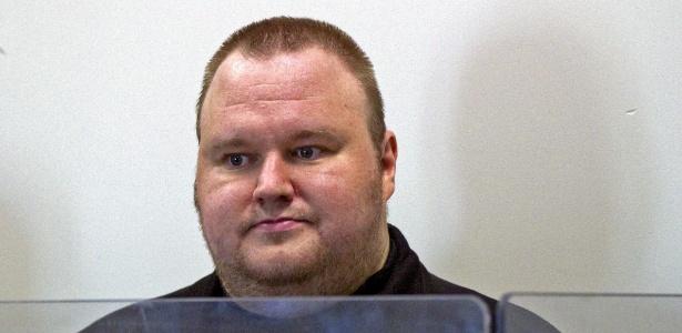 Kim Schmitz, fundador do Megaupload, ficou em prisão da Nova Zelândia por um mês