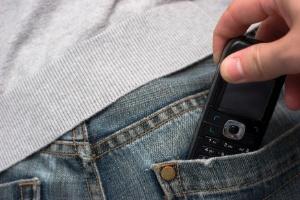 Em janeiro de 2015, São Paulo registrou 6.387 roubos envolvendo apenas celulares e 18.637 roubos de diversos objetos --entre eles smartphones