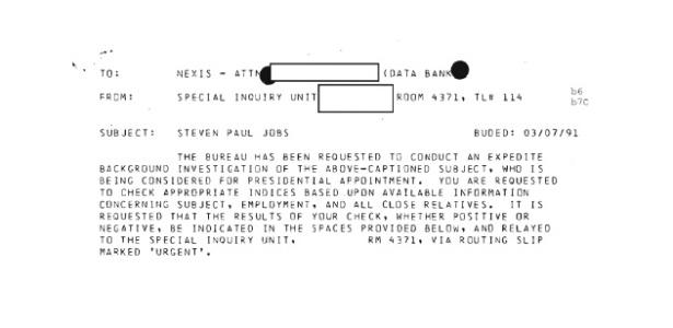 Trecho de arquivo secreto divulgado pelo FBI de investigação feita sobre Steve Jobs