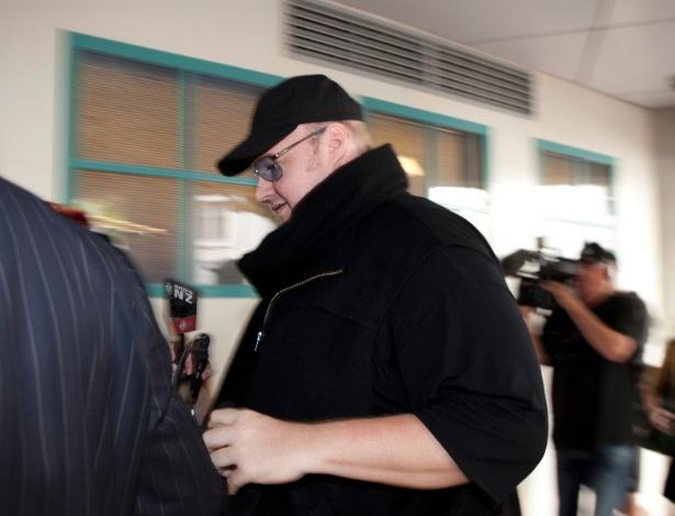 Kim Dotcom, fundador do Megaupload, deixa prisão após pagar fiança em 21 de fevereiro
