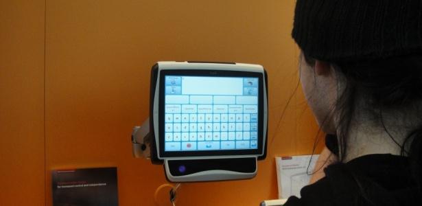 Sistema que permite ''digitar'' com os olhos é exibido na Cebit 2010