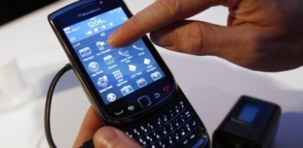BlackBerry Torch 9800, lançado em 2010