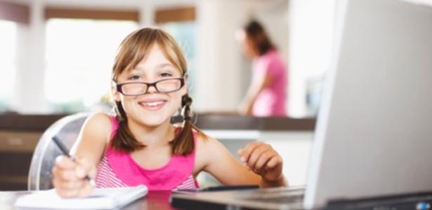 Segundo pesquisa, 58% das crianças sabem jogar no PC; apenas 25% andam de bicicleta