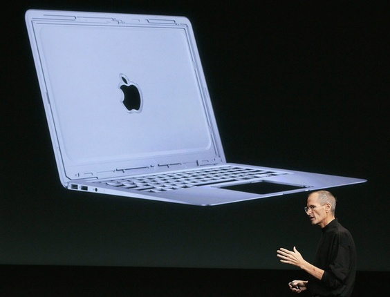 ''É incrivelmente fino'', disse Steve Jobs, CEO da Apple, sobre o novo MacBook Air