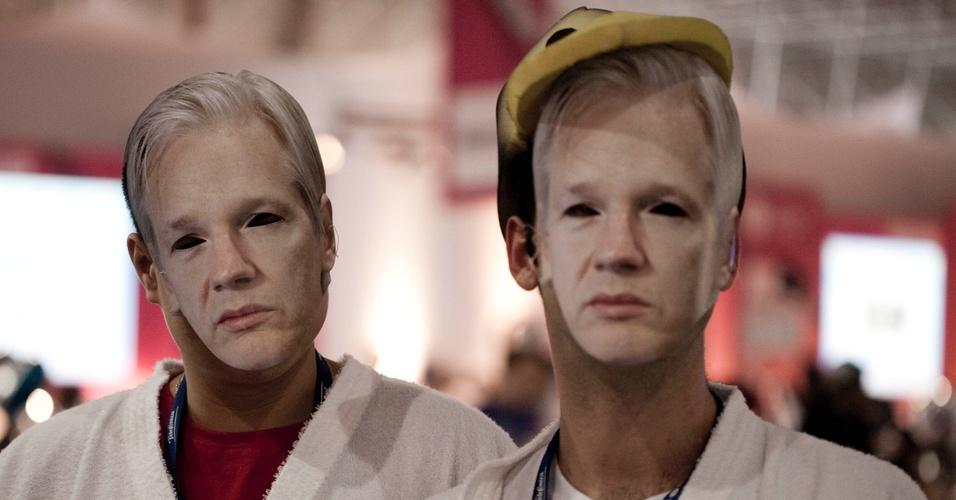 O polêmico fundador do Wikileaks foi tema de flashmob na Campus Party. Diversos campuseiros saíram pelo pavilhão do evento de roupão, 'fantasiados' de Julian Assange
