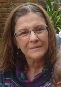 Nice tem 61 anos, é formada em comunicação visual pela Faap (em São Paulo) e não trabalha; usuária é a maior editora da Wikipedia em língua portuguesa