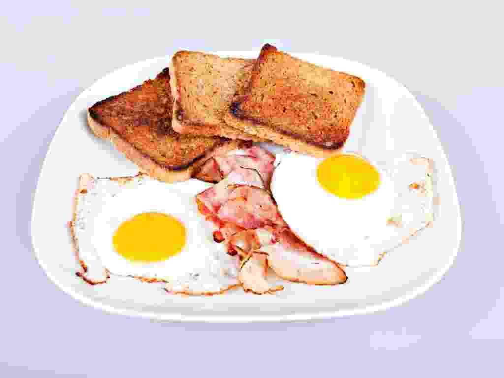 comida gordura bacon ovos - Getty Images