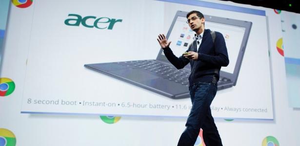 Sundar Pinchai, vice-presidente de produtos do Google, apresenta linha de Chromebooks, laptops com o sistema operacional Chrome OS; novidade chegará no mês de junho