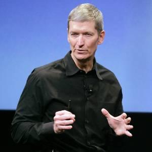 Tim Cook, CEO da Apple, criticou em carta aos funcionários da empresa acusações de que a fabricante não se preocupa com as más condições de suas linhas de montagem na Ásia. Ele destacou que a empresa realiza anualmente inspeções na sua cadeia de fornecedores