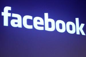 Logotipo da rede social Facebook na sede da empresa na Califórnia, nos Estados Unidos