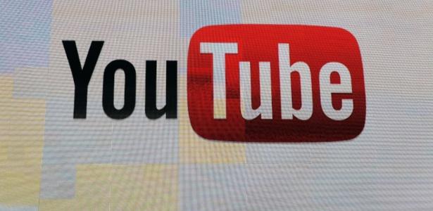 Logotipo do YouTube clicado durante apresentação na CES 2012, feira de tecnologia em Las Vegas
