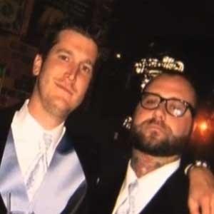 Tim Hart (esq) diz ter recebido mensagem de Jack Froese (dir.) depois da morte do amigo, em 2011
