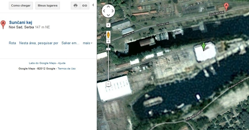Base militar de Novi Sad, na Sérvia, mostrada no Google Maps