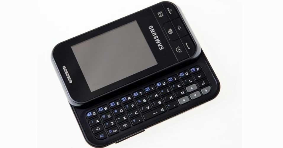 Com belo design, Samsung Ch@t 350 tem teclado físico bom e touchscreen ruim
